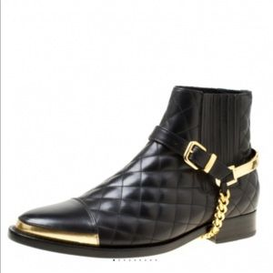 NWT Balmain Quilted Black Leather/Gold Chain Boots